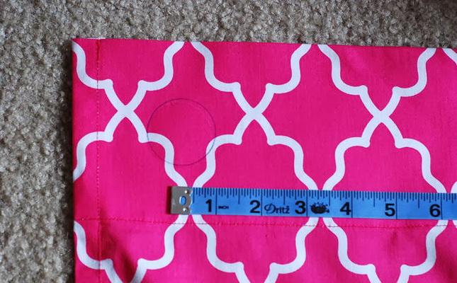 fa5598dc03 Prima di cucire le tende, è necessario tagliare il materiale. Quando si  taglia il tessuto, la lunghezza della tenda si trova lungo la lunghezza del  tessuto ...