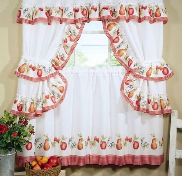 c1472575221fc Záclony v kuchyni s vlastnými rukami, môžete tiež usporiadať farebné  kvetinové motívy, Budú vždy jasné, veselé a slnečné, aj napriek počasiu  mimo okna.